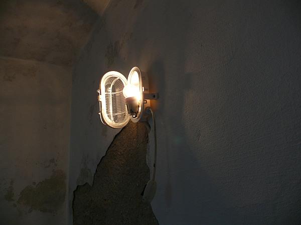 Lámpa a pincében
