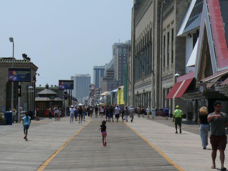 A híres Boardwalk 6 kilométer hosszú