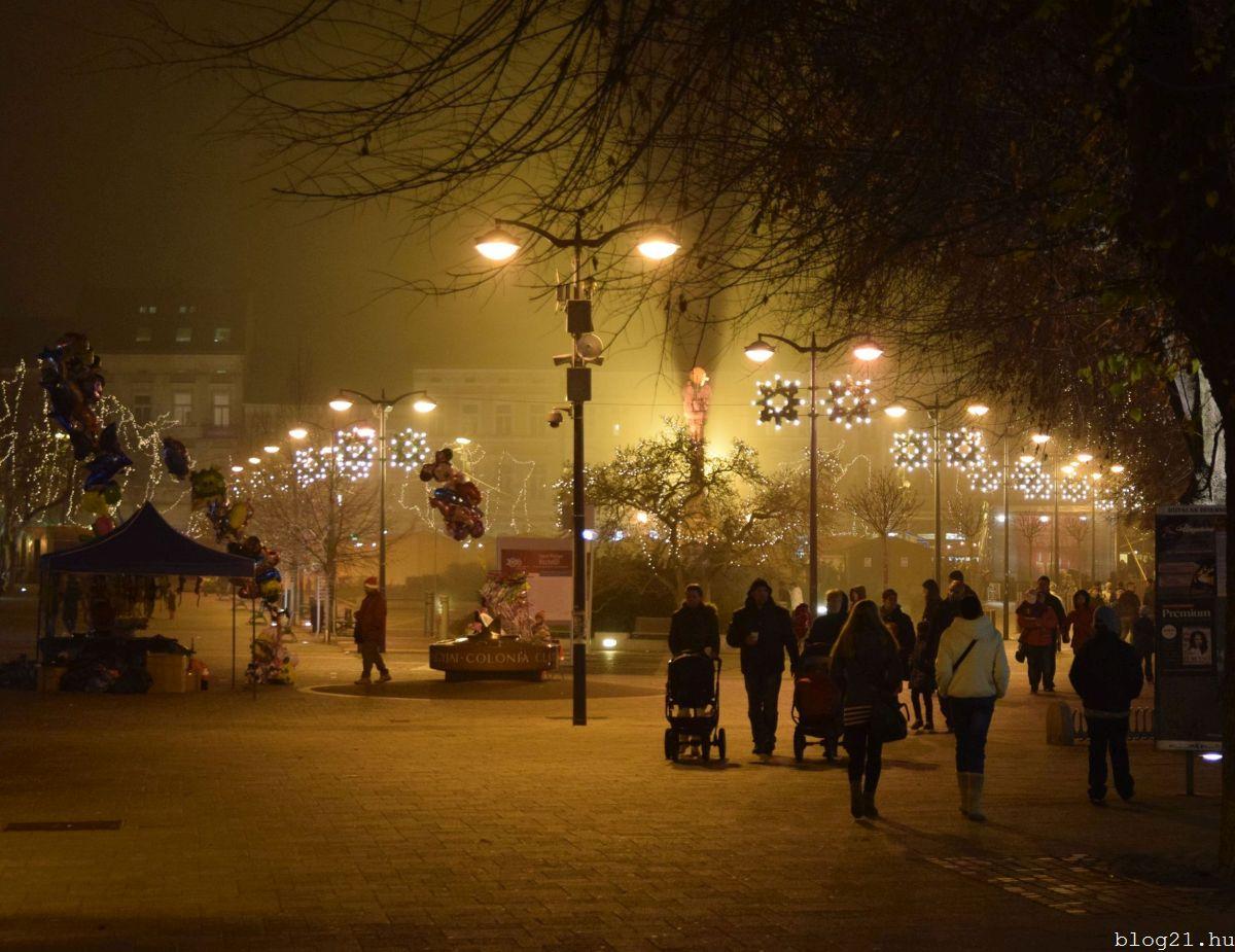 Finoman leereszkedett a decemberi köd.