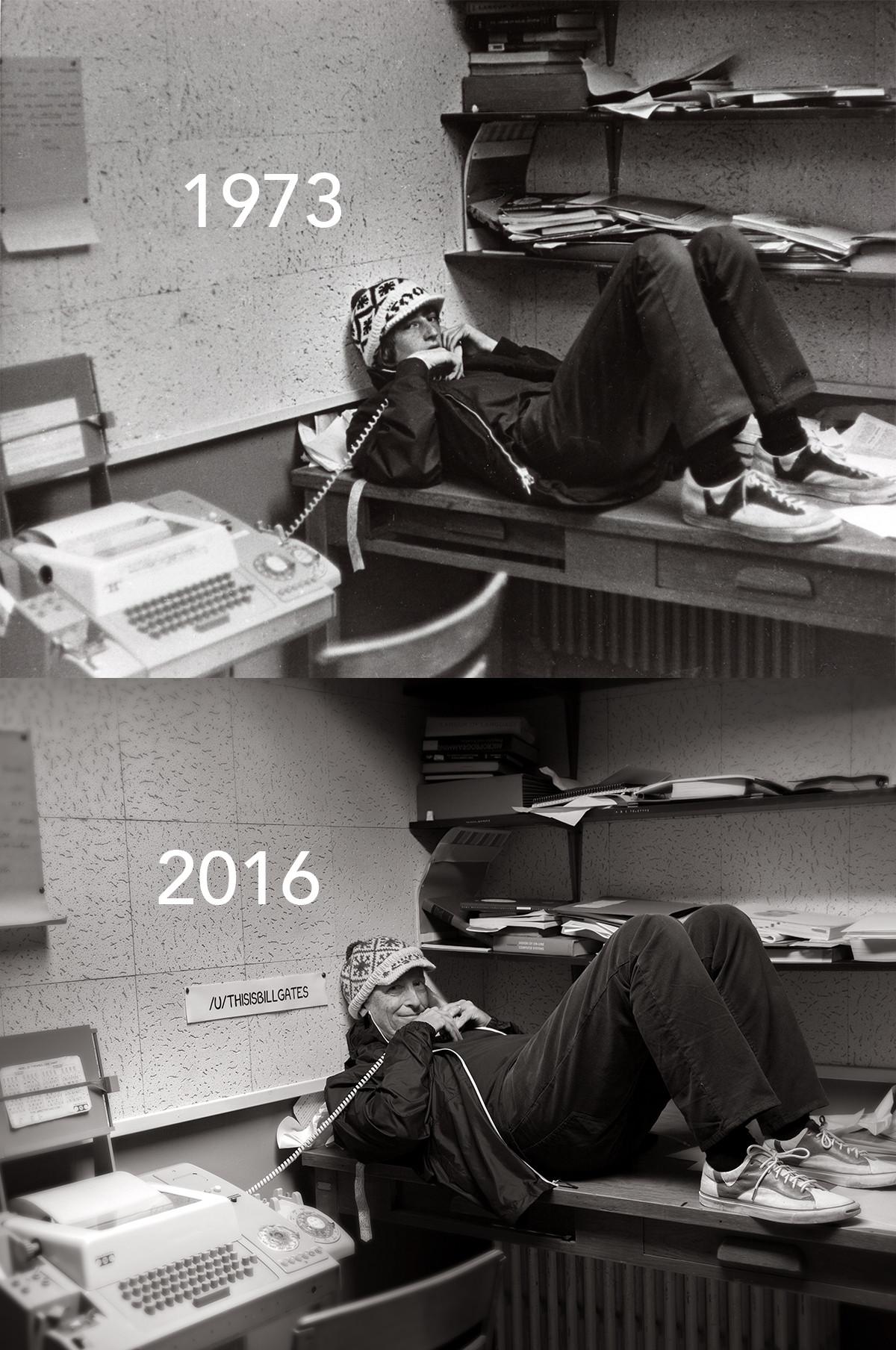 Ugyanaz a helyszín és a szereplők, de a két fotó között 43 év telt el. Nemcsak péne, még humora is van a csávónak, akit valamiért mégis illik útálni.