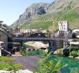 A Mostari híd. Így nézett ki a híres építmény, amikor ott voltam. Olyan már soha nem lesz, mint Csontváry festményén, de legalább újjáépült.