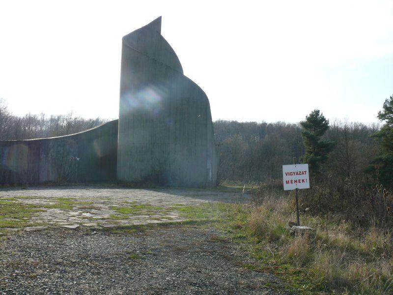 Komlói felszabadulási emlékmű