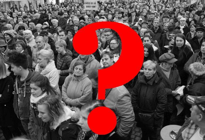 Csütörtök esti tüntetés Jordán Tamás mellett (Fotó: Büki László/MTI)