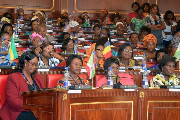Életkép a ruandai parlamentből