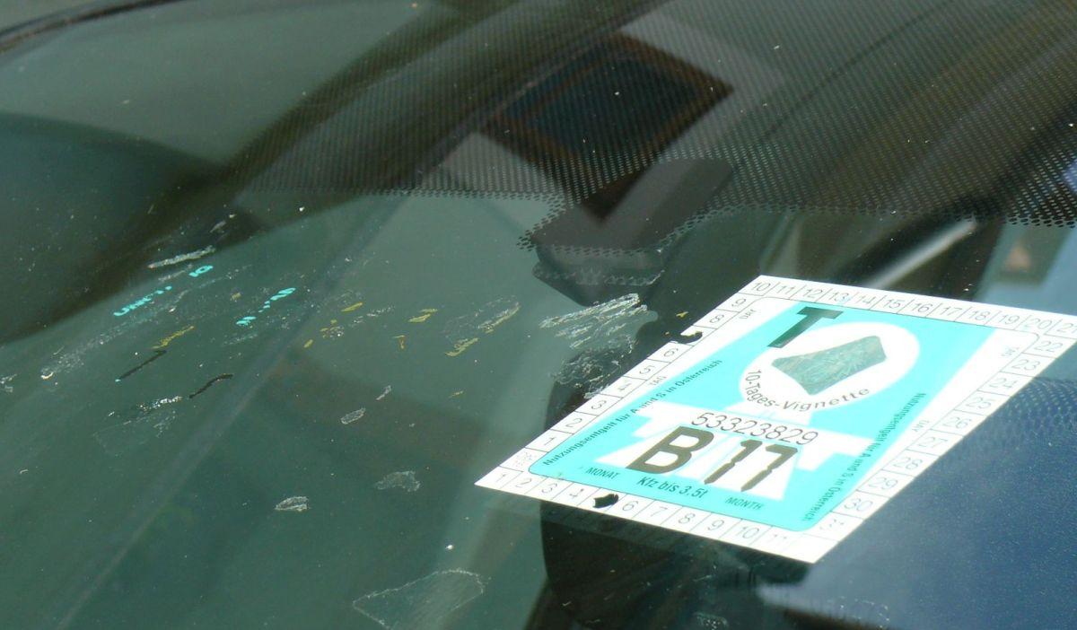 Osztrák autóplya matrica