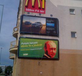 Az LMP plakátja Szombathelyen a Szent Márton utcában