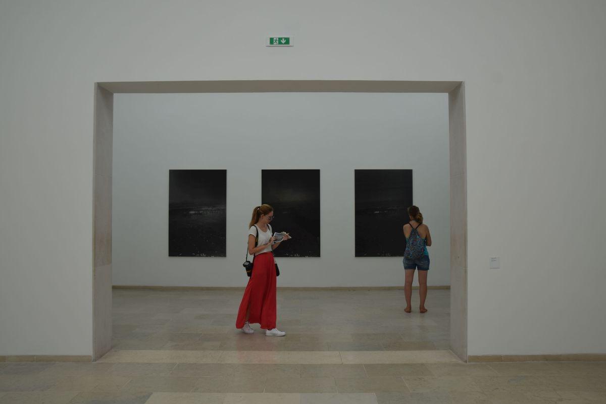 Viszonylag kevés a festmény