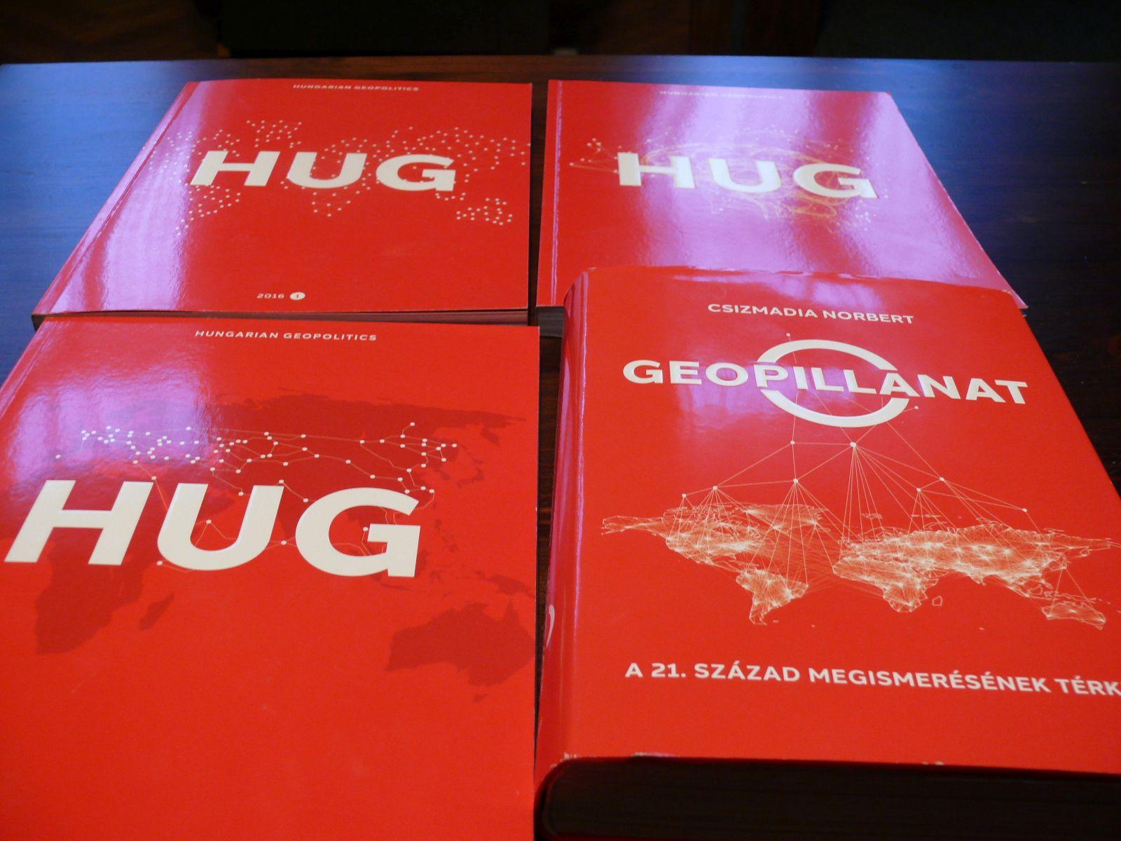Így néznek ki ezek a HUG-könyvek. Még tavaly készítettem ezt a képet.
